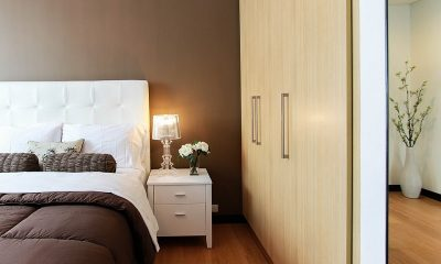 Camera con letto, armadio, comò